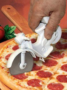 Vespa meets Pizza: Italienisches Flavour am Zenit. #Ostern #Geschenk #Pizza #Roller
