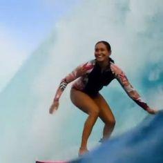 Vahine Fierro incoming!! Barrels for breakfast in Tahiti 📷: manea.f Surf Girls, Tahiti, Surfing, Barrels, Breakfast, Sports, Flow, Places, Morning Coffee