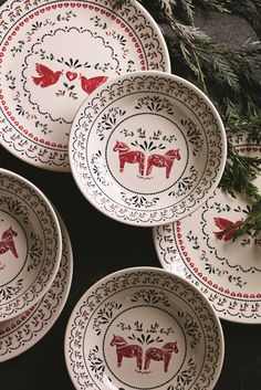 Bring the festive fun into your kitchen with this adorable Christmas printed crockery.