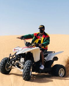 The Airinum Urban Air Mask Solid Black L and hanging out in Dubai. Tag your own chance to get featured! Big Sean, Solid Black, Hanging Out, Dubai, Monster Trucks, Fire, Instagram, Legends, Meet