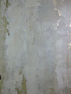 Plaster over metallic foil - http://www.artisphereonline.com/2011/07/20/how-to/diy-projects-the-bombshell-bath-step-2-mimosa-walls-by-surfaces-fine-paint/ #fauxfinishedthings #homedecor