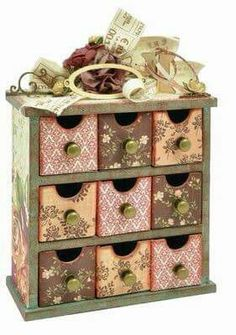 Mini Drawers / Decoupaged for your craft-room. Decoupage Box, Decoupage Furniture, Decoupage Vintage, Hobbies And Crafts, Diy And Crafts, Paper Crafts, Craft Projects, Projects To Try, Altered Boxes