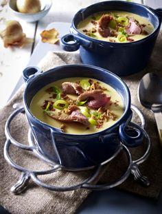 Unser beliebtes Rezept für Zwiebel-Rahmsuppe mit Porree, Cheddar und gebratenen Entenbruststreifen und mehr als 55.000 weitere kostenlose Rezepte auf LECKER.de.