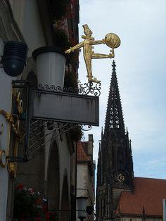 Münster, immer am Ball. by Süßwassermatrose, via Flickr