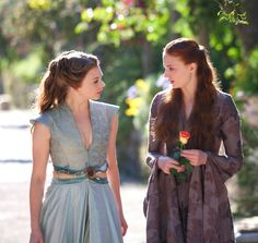 Standard Size Margaery Tyrell Costume Bodice Sewing Pattern Game of Thrones Cosplay Pattern is for Bodice and edging, purchase skirt and Game Of Thrones Dress, Game Of Thrones Cosplay, Got Game Of Thrones, Sansa And Margaery, Margaery Tyrell, Style Blog, Hbo Tv Series, Sansa Stark, Mother Of Dragons