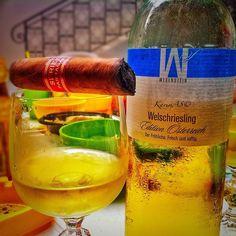 #cheers to a great #Sunday  #cuban #cigar #cigarporn #cigaraficionados #cigarlife #instacigar #instagood #instasmoke #nowSmoking #lebanesecigaraficionados #habana #botl #sotl #smoker #lebanon #lebanese #beirut #cigaroftheday #cigarphotography #cigarians #cubancigar #photooftheday #instamood #wine #welschriesling by karimas