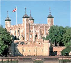 The Crown Jewels have been held in the Tower of London since 1303 following a theft from Westminster Abbey.  © Historic Royal Palaces