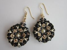 Видео мастер-класс: Earrings with round beads - YouTube - Бисероплетение