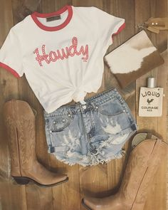 Howdy Tee Red Whiskey Bent and Hellbound T-Shirt. Whiskey Bent and Hellbound Shirt. License to Boot Whiskey Bent and Hellbound Shirt Country Concert Outfit, Country Style Outfits, Southern Outfits, Country Fashion, Country Concerts, Southern Fashion, Country Attire, Cowgirl Outfits, Edgy Outfits