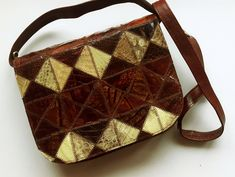 23 cm x 20 cm x 6 cm / inch x inch x inch Crossbody shoulder bag. Old in good vintage condition. Chestnut colour with ivory cream. Crossbody Shoulder Bag, Leather Crossbody Bag, M Photos, Tapestry Wall Hanging, Vintage Leather, Tartan, Vintage Ladies, Trending Outfits, Unique Jewelry