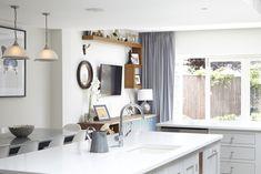 20 White Quartz Countertops - Inspire Your Kitchen Renovation - Decoration Ideas White Kitchen Backsplash, Quartz Kitchen Countertops, Kitchen Wall Tiles, Kitchen Cabinetry, Condo Kitchen, Kitchen Redo, Kitchen Layout, Best Kitchen Design, Kitchen Designs