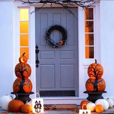 Halloween curb appeal - Illuminated Pumpkin Topiaries