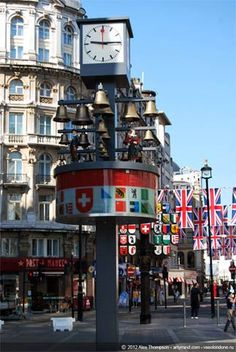 Glockenspiel clock, Leicester Square, London