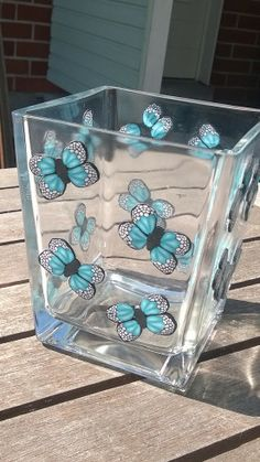 Vase with butterflies by By ME Butterflies, Polymer Clay, Lunch Box, Vase, Inspiration, Biblical Inspiration, Butterfly, Bento Box, Vases