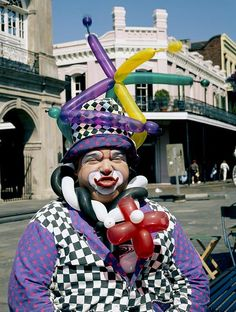 French Quarter clown, New Orleans, Louisiana. Photograph by Carol M. Highsmith. Carol M. Highsmith's America, Library of Congress Prints and Photographs Division.