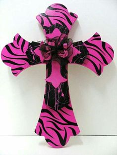 Triple Cross Hot Pink Zebra and Black Wooden Crosses, Crosses Decor, Wall Crosses, Decorative Crosses, Zebra Bedding, Mesas Para Baby Shower, Country Girl Life, Diy And Crafts, Arts And Crafts