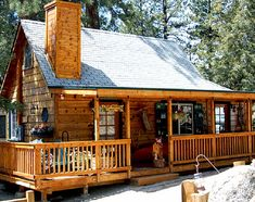 Who  can resist the charm of a warm and cozy cabin with a wrap around deck.  Check out 5 more amazing cabins with wrap around decks.    Credit for this beautiful pi..