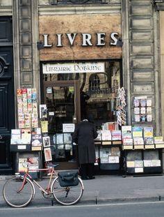 Marais District, Paris - Pack the bags! Dream Library, Library Books, Parisian Architecture, Wild Book, Boho Life, Love Book, Books To Read, Reading, Book Shops
