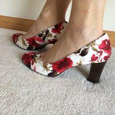 "Beautiful!NWOT floral print heels. 3"" heels. Sz 9. NWOT canvas floral print heels. 3"" heels. Perfect for spring! Sz 9. Colors are as pictured. Shoes Heels"