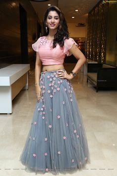 Half Saree Designs, Blouse Designs, Heroine Photos, Lahenga, Film Awards, Lehenga Choli, Actress Photos, Short Film, High Waisted Skirt