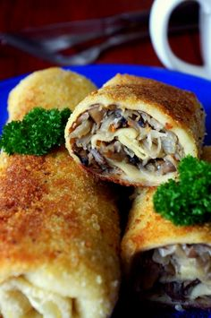 Croquettes with Cabbage and Mushrooms (in Polish) this is how they look, stuff with anything! European Dishes, Eastern European Recipes, European Cuisine, Polish Recipes, Polish Food, Vegetarian Recipes, Cooking Recipes, Russian Recipes, Yummy Food