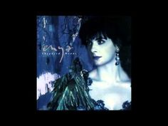 Shepherd Moons by Enya (1991) Remastered version 2009 1. Shepherd Moons 0:00 - 3:42 2. Caribbean Blue 3:43 - 7:36 3. How Can I Keep from Singing? 7:37 - 11:5...