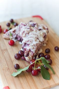 Cherry Scones with Saskatchewan Sour Cherries (BS' In The Kitchen) Fresh Cherry Scones Recipe, Buttermilk Scone Recipe, Cherry Muffins, Breakfast Scones, Breakfast Recipes, Dessert Recipes, Scone Recipes, Dessert Ideas, Fruit Scones