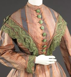Afternoon dress, ca 1865 US, the Met Museum Looks like rainbow sherbert. Victorian Gown, Victorian Fashion, Vintage Fashion, Gothic Fashion, Vintage Style, Historical Costume, Historical Clothing, Vintage Dresses, Vintage Outfits