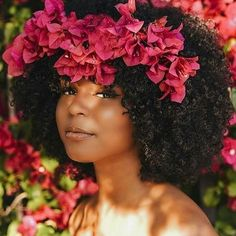 15 Times Naturalistas Looked Drop Dead Gorgeous With Flowers In Their Hair Natural Afro Hairstyles Dead Drop flowers Gorgeous Hair looked Naturalistas Times Natural Hair Journey, Natural Hair Care, Natural Hair Styles, Natural Beauty, Big Hair, Your Hair, Short Hair, Dark Curly Hair, Curly Short