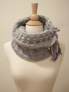 BRAIDED COWL...I WOULD USE RIBBON INSTEAD OF CROCHETED CHAINS