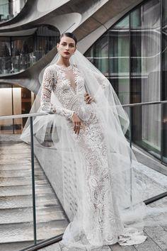 Naeem Khan  VogueRussia  bridal  fallwinter2019  NaeemKhan   VogueCollections Naeem Khan Wedding Dresses dbc3076357ad