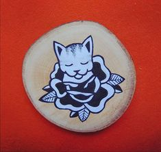 Akryl na dreve . Illustration Flower, Creative Illustration, Crazy Cat Lady, Insta Art, Flower Power, Old School, Decorative Plates, Cats, Artist