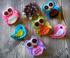 cute brooches/hair clips - would be great for bookmarks