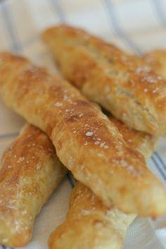 (Scroll for English)     Brødbakemetoden som jeg skrev om for noen dager siden, perfekt brød uten knaing , har gitt meg ny inspirasjon til å...