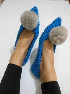 3c651f5264709 88 Best SLIPPERS images in 2019 | Slippers, Knitted Slippers, Shoes