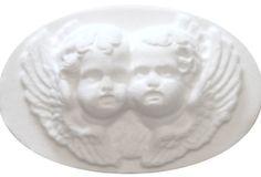 Savon anges 25 g 25 g Ambiance romantique et baroque pour ces deux anges, joue contre joue, parfumés au délicieux mélange de vanille et de patchouli. http://www.boutique-lothantique.com/savon-anges-25-g~reve-d-anges-amelie-et-melanie-produit-4suos0t5pm95.html