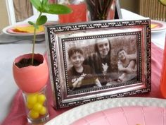 Cute place setting and Mother's Day Brunch Ideas!