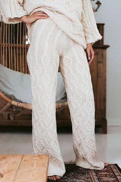 Ravelry: Helsinki Trousers pattern by Sari Nordlund Overalls Women, Trousers Women, Knitting Patterns, Sewing Patterns, Womens Pjs, Outdoor Wear, Knit Pants, Helsinki, Ravelry