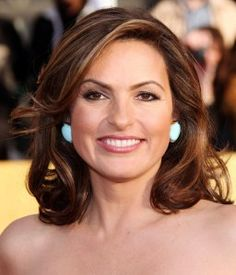 Mariska Hargitay Medium Curled Hair