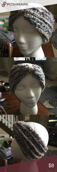 Chunky Crocheted Headband / Ear-warmer Chunky style headband to keep your ears warm and your messy bun in plain view. 901 by Stacey Accessories Hats