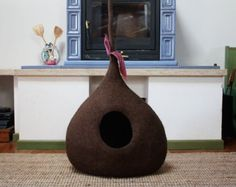 """Cat Cave Felted """"Tulip"""", Cat Bed, Cat House, Pet Furniture, 100% Wool - MADE IN ITALY - Ready for shipping"""