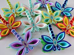 Best 10 How to Make Fabric Kanzashi Flowers. In this tutorial you'll learn how to make this beautiful Kanzashi fabric flower. Ribbon Art, Diy Ribbon, Fabric Ribbon, Ribbon Crafts, Flower Crafts, Cloth Flowers, Satin Flowers, Fabric Flowers, Paper Flowers