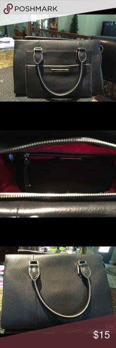 Black Nine West purse, excellent condition Nine West genuine leather purse, dimensions 13W x 8L.  Bottom is 7 in wide Nine West Bags Satchels
