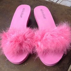 Shop Women's size Slippers at a discounted price at Poshmark. Fur Slides, Slippers, Footwear, Sandals, Sexy, Shopping, Shoes, Things To Sell, Products