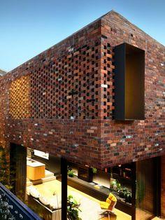 Matt Gibson extends Melbourne terrace with glazed kitchen undercroft Brick Design, Facade Design, House Design, Melbourne Architecture, Brick Architecture, Chinese Architecture, Architecture Office, Futuristic Architecture, Tyni House