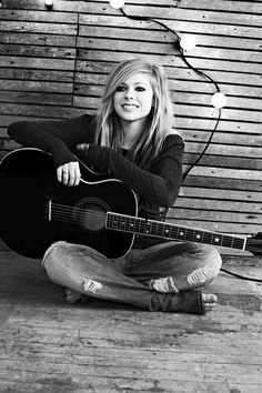 Avril Lavigne. One of my favorite Canadians!