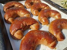 Kakaové raňajkové pečivo (špaldové) (fotorecept) Bagel, Food And Drink, Yummy Food, Bread, Baking, Delicious Food, Bakken, Breads, Backen