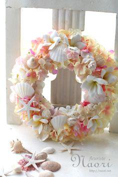 プルメリアと紫陽花の貝殻リース