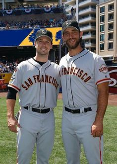 Forever friends SF Giants Posey and Bumgarner Giants Players, Giants Team, Baseball Players, Mlb Players, Baseball Season, San Francisco Giants Baseball, San Francisco 49ers, San Fran Giants, Madison Bumgarner