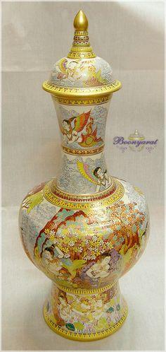 Benjarong Sukhothai long neck jar Kin-Na-Ree pattern matte skin [S-TKY-231] - 17,480Baht : Thai Benjarong shopping for home docorative, gift and souvenir, Benjarong.Net